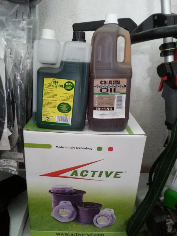 Active Olio miscela 100% sintetico motore 2 tempi e olio vegetale 100 % per catene motosega