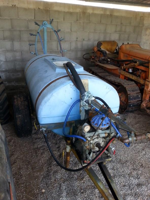 Atomizzatore 600 litri con pompa e ugelli