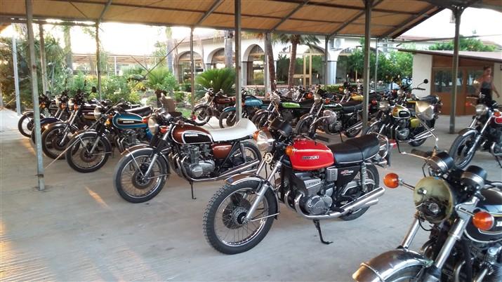 Moto Honda CB 350 Four motociclo storico