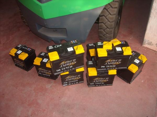 Batterie Varie per trattori agricoli ,camion ,auto ecc ecc.