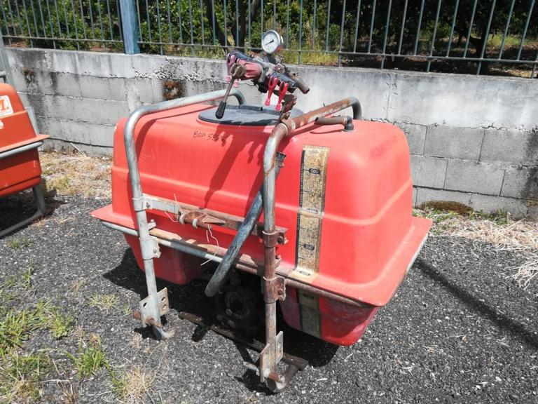Gruppo Irrorante Botte I.M.M. portato tre punti 500 litri usata