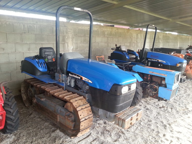 Trattore New Holland TK 75 V